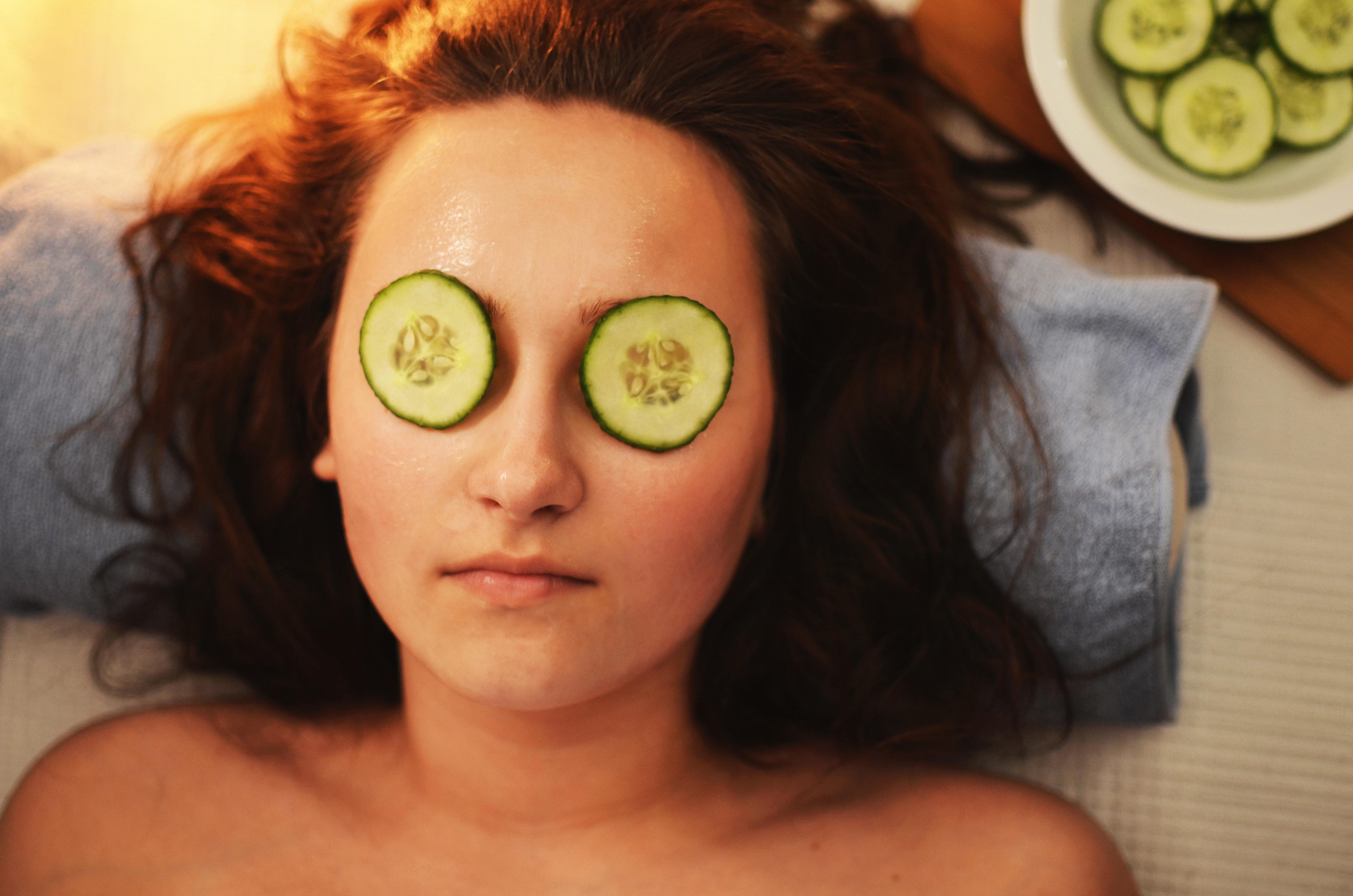 beauty-cucumber-face-ādas tips